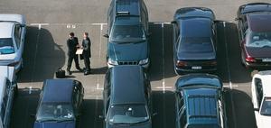 Wer verkehrsbehindernd parkt, hat die Folgen zu tragen