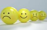 3 unglückliche, 1 lächelnder Smiley