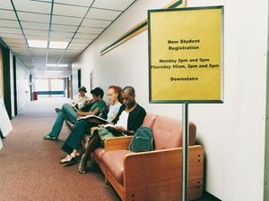 LSG-Urteil: Student erhält Arbeitslosengeld bis Vorlesungsbeginn