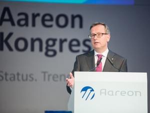 Aareon stiftet Professur an der EBZ Business School