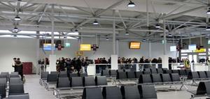 Drei Wochen Bauzeit: Terminal für Flughafen Schönefeld