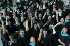 Abschlussfeier des MBA Jahrgangs 2005 am 15.07.2005. Foto: Stefan Arend