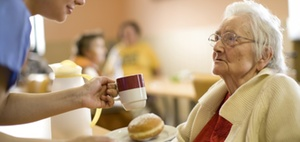 Verdi fordert Tarifstandards in der Altenpflege