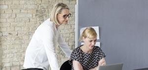 Personalberater bringen mehr Frauen in Führungspositionen
