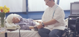 Pflegedienste sollen unangemeldet kontrolliert werden
