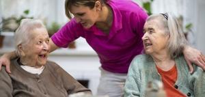 Entgeltanspruch eines Pflegeheimbetreibers bei Heimwechsel