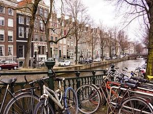 """""""Grundbesitz Europa"""" kauft in Amsterdam"""