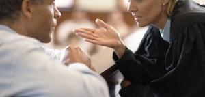 Zulassung zur Rechtsanwaltschaft für Beamte nicht möglich