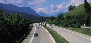Wann führen 150 km/h auf der Autobahn zur Mithaftung?