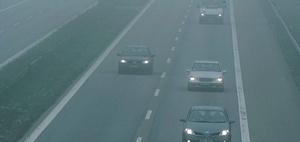 Auffahrunfall auf der Autobahn wegen Notfallbremsassistent-Defekt