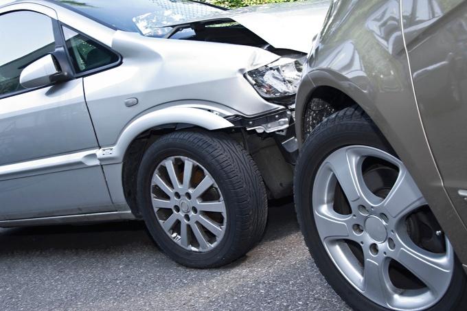 Kein Schadensersatz bei fingiertem Autounfall und Indizien dafür ...