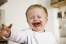 Baby Kleinkind schreit