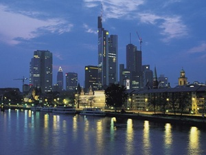 Frankfurter Triton für 65 Millionen Euro revitalisiert
