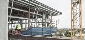 Bauwirtschaft profitiert vom Sommerhoch