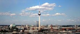 Berlin Panorama blauer Himmel Alex