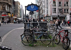 Berlin Kreuzberg Checkpoint Charlie