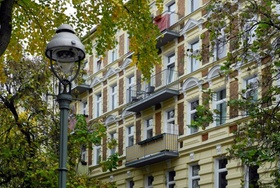 Berlin Moabit Mehrfamilienhaus Altbau Fassade