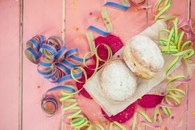 Berliner Kreppel Pfannkuchen mit Luftschlange