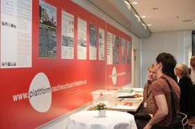 Besucher in Ausstellung