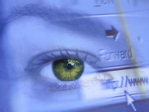 Office Eye Syndrom: Trockene Augen bei der Bildschirmarbeit