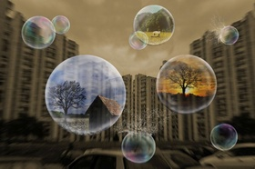 Blasen vor Hochhäusern mit Landleben inside