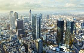 Blick auf Frankfurt mit Hochhäusern