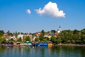 Blick auf Starnberg vom See