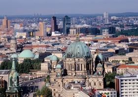 Blick ueber Berlin, mit Berliner Dom und Sony-Center, Deutschland