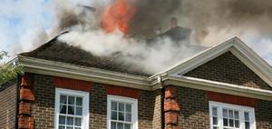 Versicherung: Achtjähriger Feuerteufel – wie haften die Eltern?