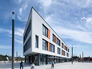 Henderson erwirbt Einkaufszentrum in Remscheid