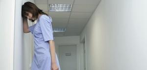Streit um Personaluntergrenzen an Krankenhäusern