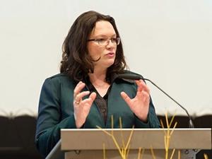 Konferenz Das demokratische Unternehmen bietet Lösungsanregungen