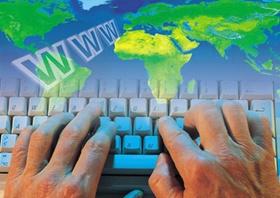 Computertastatur mit Bild von Weltkarte