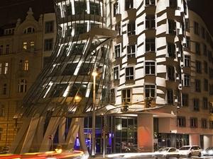 "CBRE Global Investors verkauft ""Dancing Building"" in Prag"
