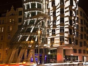 """CBRE verkauft """"Dancing House"""" in Prag"""