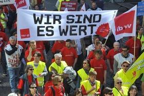 Demo Streik öffentlicher Dienst , verdi