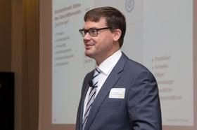 Dr. Oliver Greiner