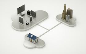 Drei vernetzte Wolken auf denen Familienhaus Hochhäuser und Computer und Tablet stehen