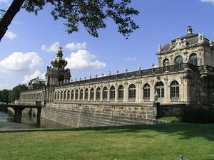 Optima-Aegidius kauft Entwicklungsgrundstücke in Dresden