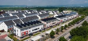 Energieversorgung im Plusenergiehaus: Heizen mit Sonne und Eis