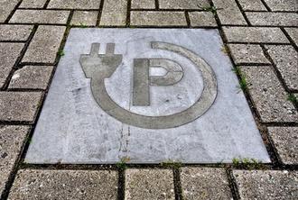 Gesetzgebung: WEG-Reform: Bundesrat will Einbau von privaten E-Ladestellen erleichtern