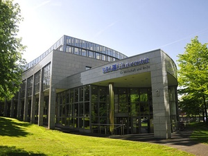 Projekt: EBS muss nach neuem Gelände für Jura-Fakultät suchen