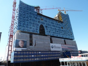 Hamburg: Elbphilharmonie: Gegenseitige Schuldzuweisungen