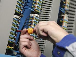 Elektrischer Strom: Gefahrenquellen kennen und vermeiden