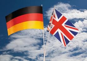 Faehnchen in den deutschen und englischen Nationalfarben