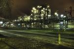 Erdoel-Raffinerie, Hamburger Hafen, Nachtaufnahme