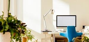 Ergonomisch Sitzen: Tisch und Stuhl richtig einstellen