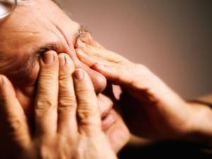 Polleflug: Statt Kontaktlinsen besser Brille tragen