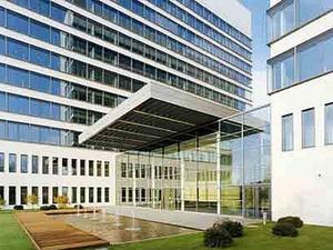 Ernst & Young verlängert Miete im Eschborn Plaza