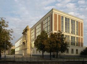 ESMT Berlin Schlossplatz 1